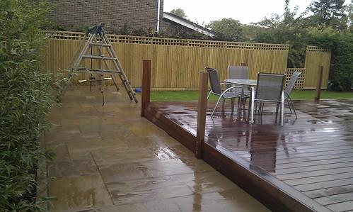 Hardwood Decking Alderley Edge - Modern Family Garden. Image 16
