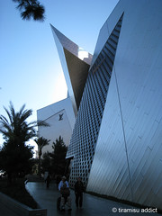Crystals @ CityCenter (tiramisu_addict) Tags: retail architecture crystals lasvegas citycenter louisvuitton
