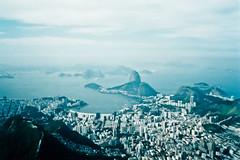 Rio (Natália Al.) Tags: film rio riodejaneiro corcovado sugarloaf pãodeaçúcar papi canonmp250