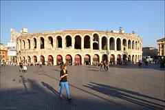 Verona : Arena (Pantchoa) Tags: roman arena verona piazza amphitheater nikkor d90 vrone br bellitalia nikonpassion nikonflickraward capturenx2 1685mmf3556 ringexcellence viewnx2 arnesnikon