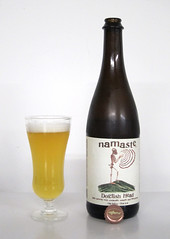 Dogfish Head, Namaste (shyzaboy) Tags: orange usa beer glass de bottle wheat ale delaware milton lemongrass coriander wit beerbottle namaste witbier whitebeer dogfishhead wheatbeer belgianwhite dogfishheadcraftbrewery driedorangeslices