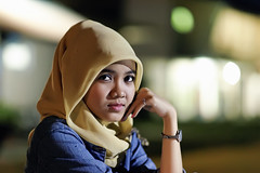 #850C9412- Lestari in available light (crimsonbelt) Tags: portrait bokeh availablelight hijab balikpapan lestari cewak tariy