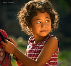 There's warmth in Innocence (Ragstatic) Tags: light kids hair indonesia child available skim