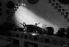 Cocina de la Abuela ( Juan_de (ON - OFF)) Tags: blancoynegro blackwhite noiretblanc pretoebranco biancoenero