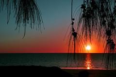 Atardece. (Victoria.....a secas.) Tags: africa sunset reflection beach atardecer playa explore madagascar reflejos