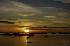 Atlantikkste_Norwegen (b.stanni) Tags: light sunset summer sun nature water night clouds landscape licht norge wasser sonnenuntergang outdoor sommer urlaub natur norwegen himmel landschaft wandern nachtaufnahme idylle supershot