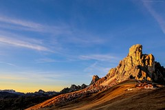 Dolomiti  -  L'ultimo bacio. (giovanni_spina) Tags: sunset sky sun mountain alps nature clouds twilight italia tramonto nuvole wind sofia cielo paysage dolomiti sunbeams afterglow mountainscape lastkiss