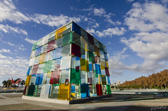 Colores al cubo (J Fuentes) Tags: sky 1 muelle flickr centre save colores cielo nubes pompidou cubo mlaga