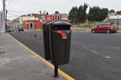 4 norte entre 12 y 10 ote bote (Gobierno de Cholula) Tags: de botes basura contenedores papeleras sanpedrocholulapuebla