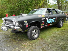 "1968 Chevy Nomad ""Mister Moose"" (splattergraphics) Tags: wagon chevelle chevy nomad 1968 carshow stationwagon gasser sledfest duncannonpa mistermoose hooliganscarclub"