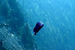 europe 2009 864  dropping in for lunch (harry de haan) Tags: mountains switzerland flying europe eu lauterbrunnen parachuting swissalps harrydehaan europe2009