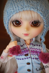 Byakko  hats! (_Lalaith_) Tags: blue brown white wool hat eos eyes acrylic purple liv pullip vest pompoms pompom lalaith byakko obitsu rewigged