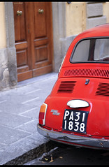 be smaller, stay closer (diegofornero (destino2003)) Tags: italy italia fiat firenze 500 diegofornero
