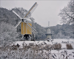 Dutch Windmills in Winter (Foto Martien (thanks for over 2.000.000 views)) Tags: schnee winter snow holland mill ice netherlands windmill dutch museum hiver nieve sneeuw arnhem nederland invierno neige openairmuseum freilichtmuseum eis hielo molen veluwe glace niederlande ijs windmolen openluchtmuseum gelderland windkorenmolen postmill nom stellingmolen standerdmolen towermill korenmolen nationalheritagemuseum nederlandsopenluchtmuseum smockmill dutchopenairmuseum a550 martienuiterweerd carlzeisssony1680 martienarnhem sonyalpha550 mygearandme mygearandmepremium mygearandmebronze mygearandmesilver mygearandmegold mygearandmeplatinum fotomartien eltringexcellence rememberthatmomentlevel4 rememberthatmomentlevel1 rememberthatmomentlevel2 rememberthatmomentlevel3 rememberthatmomentlevel5 rememberthatmomentlevel6