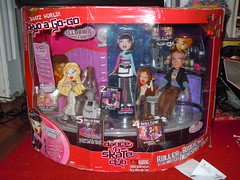 Bratz World Tokyo a Go-Go Dance 'N' Skate Club (front) (alexbabs1) Tags: world set club tokyo dance 1st anniversary n sash entertainment pack jade cameron skate target yasmin tiana gogo collectors edition 5th mga exclusive mib playset bratz cloe stuffz 4pack mgae