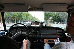 Champs Elysees (Peter Keijenberg) Tags: nick transport citroen ds oldtimer frankrijk autos parijs personen peterkeijenberg