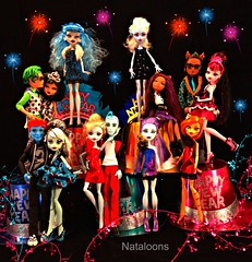 Happy New Year from Monster High!! (Nataloons) Tags: new eve blue girls party boys abbey fashion monster de toy high doll day handmade stripe frankie nile hyde years holt spectra gil cleo webber stein mattel deuce picnik fashions gorgon ghouls lagoona jemgirl clawd yelps ghoulia frankiestein clawdeen lagoonablue gillington monsterhigh draculaura clawdeenwolf deucegorgon cleodenile ghouliayelps holthyde bominable vondergeist abbeybominable clawdwolf melovegangrels spectravondergeist gilwebber toralei girlplanet