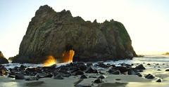 DSC_3325 (mingzkl) Tags: california sunset rock bigsur wave panoramic splash westcoast sunbeam pfeifferbeach nikkor28mmf28ais