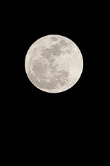 Super Moon (Alex Stoen) Tags: old nightphotography light sky moon reflection luz rock night lune canon noche flickr nocturnal satellite picasa luna fullmoon collection ciel cielo nocturna moonlight lunallena lunar satelite picassa 400mm perigee noctambulo ef2xii ef70200f28lisusm noctambulos canoneos5dmarkii supermoon 5dmk2 moonperigee lunarperigee alexstoen alexstoenphotography superluna superlune