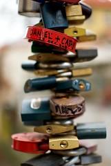 Lovelocks (Ayolt de Roos) Tags: travel red love nikon europe czech prague bokeh lock praha lovelock d80 lpmemento