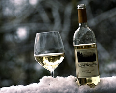 Redmond Ridge Winery Pinot Grigio (sigimphoto) Tags: white snow industry fruit washington bottle wine drink beverage business alcohol grapes vin taste vino wallawalla classy glassware upscale pinotgrigio columbiavalley redmondridge
