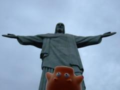 piggy @ corcovado (ciglieggia) Tags: riodejaneiro piggy corcovado plasticpig cristoredentore brasilebrazil