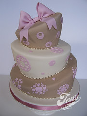 Stella (Jen's Cakery) Tags: pink brown polka bow dots madhatter ecru jenscakery jennycoopercakes