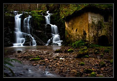 El ultimo guardian (Jespil) Tags: mill rio forest river landscape spain asturias paisaje molino bosque waterfalls cascadas spaa