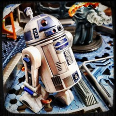 Repainted R2D2 from capture of the droids battle pack (danielxiafei) Tags: star battle pack figure wars capture clone r2 droid d2 hasbro astromech droids 375 repaint