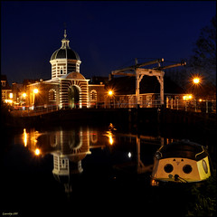 Oudt Leyden (leuntje (on tour)) Tags: reflection netherlands leiden nightshot explore drawbridge bluehour citygate ophaalbrug stadspoort galgewater morspoort morsbrug