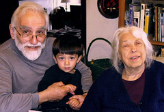 2009: Armen and his grandparents (maralina!) Tags: mama papken marjo armen grandfather grandmother grandson medzmama dadig medzbaba child enfant portrait family famille generations