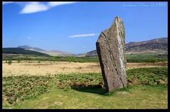 Standing Stone 2 (zweiblumen) Tags: uk scotland alba isleofarran bronzeage standingstone polariser machriemoor northayrshire eileanarainn canoneos50d zweiblumen