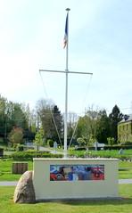 Saint-Pierre-le-Viger - Monument  la Bataille de France (juin 1940) (Philippe Aubry) Tags: monument normandie seinemaritime mmorial paysdecaux secondeguerremondiale batailledefrance saintpierreleviger valledudun