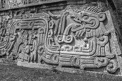En Xochicalco (fredylp) Tags: indgenas mxico 35mm indigenous morelos prehispanic xochicalco canon35mm quetzalcatl prehispnicos canon35mmeff2 5dmkii