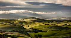 Morning light in Tuscan landscape (Hans Kruse Photography) Tags: belvedere valdorcia italy tuscany sanquirico