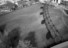 Can you guess the shadow? (Yannis Raf) Tags: travel shadow blackandwhite bw london monochrome shadows guess landmarks landmark metropolis dimageg600 konicaminolta travelphotography