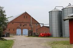 Scheune und Silos (julia_HalleFotoFan) Tags: insel silos ostsee fehmarn scheune