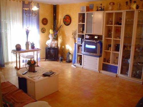 Gran salón comedor completamente equipado. Consulte precio a su inmobiliaria en Benidorm, Asegil www.inmobiliariabenidorm.com