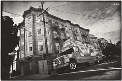 Magic Bus in a dark alley (steven -l-l-l- monteau) Tags: sf sanfrancisco california road street trip school 2 blackandwhite bw usa bus film analog 35mm volkswagen bay noiretblanc kodak district magic trix nb neighborhood haight 400 haightashbury m42 area type hippie flektogon steven 20mm van expired rue combi ricoh f4 kombi transporter tls argentique ashbury californie quartier lll pe