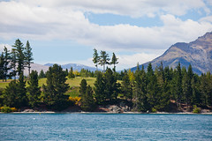 The view from the parking lot behind the Queenstown Gardens (Kalabird) Tags: new zealand southisland otago queenstown lakewakitipu azureblue