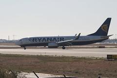 Boeing 737 RYANAIR in LEVC (Daniel Coar) Tags: new sun low cost delivery boeing ryanair vlc valenciana 737 b737 comunitat b737800 levc eieft