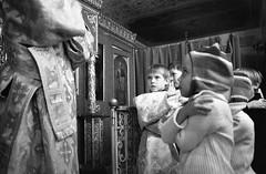 на Литургии_1 / on the Liturgy_1 (Vadim_Prischepa) Tags: bw film 35mm pentax russia moscow scan rodinal superprogram 13min hp51600 epsonv700 pentaxm2828
