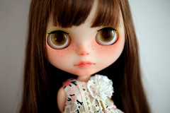 Fox is looking for a new home (* MeiMei *OPENs Commission List) Tags: new pink urban bw home set for looking dress kitty special blythe cowgirl transparent custom beret meimei supermag scalp rbl eyechips