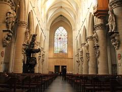 La navata centrale, Concattedrale de San Michele e Santa Gudula, Bruxelles (Kristel Van Loock) Tags: brussels belgium belgique belgië bruxelles cathédrale bruselas brussel belgica kathedraal belgien belgio