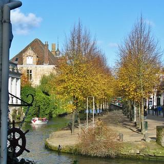 Dijver, voorlopig mijn laatste foto van Brugge op Flickr - Dijver, preliminary my last picture of Bruges on Flickr. In Explore op 26-01-2012 # 057