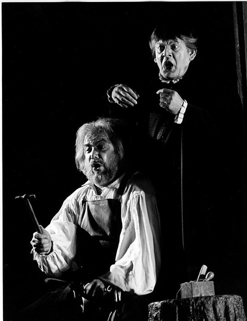 "Sir Thomas Allen with Sir John Tomlinson in Graham Vick's production of Die Meistersinger (2000). The Royal Opera. <a href=""http://www.roh.org.uk"" rel=""nofollow"">www.roh.org.uk</a> Photo: Clive Barda"