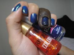 Azul Hortênsia (Risqué) + Cobertura Encantada (Risqué) (Daniela nailwear) Tags: mãofeita esmaltes flocado comprinha coloreffect coberturaencantada azulhortênsia azul risque