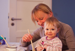 Spielen mit Oma (Duthieboy) Tags: baby daughter photoblog 2012 photojournal lilyeve blogjournal