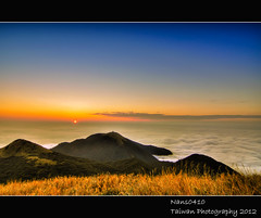 雲翻大屯(Clouds turned The Datun mountain) (nans0410(busy)) Tags: sunset clouds taiwan taipei silvergrass datunmountain mygearandme mygearandmepremium mygearandmebronze mygearandmesilver mygearandmegold mygearandmeplatinum mygearandmediamond