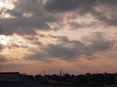 streaks of sunlight (kasa51) Tags: winter sunset sky cloud digital lumix dusk panasonic f18 olympuspen 45mm gf1 mzuiko